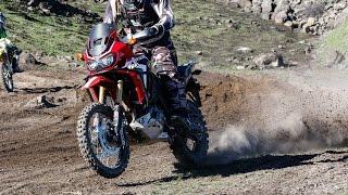 Africa Twin racing 2017 Desert 100
