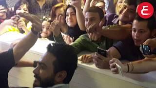الجمهور الاردني يهجم علي تامر حسني و مي عمر