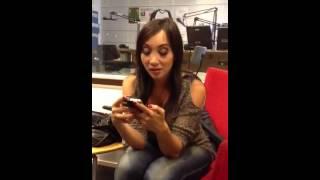 Katsuni pratar snusk på svenska