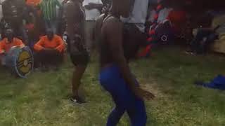 Dance ya luo