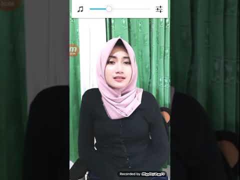 Hijab Pink Bikin Sempit Celana