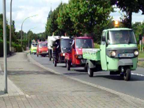 Piaggio APE Treffen 2008 Speichersee Geeste Fahrt durch Biene 3