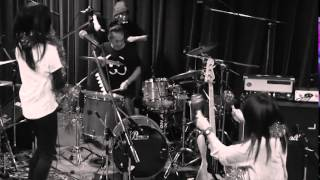 tricot - Niwa Studio Live Session with 5 Drummers