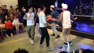 رقص بچه هاي افغان در سوئد٢