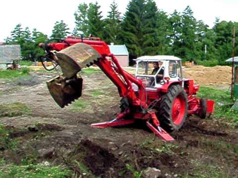 EO 2621 A kotró csipegető kanállal Jumz traktor