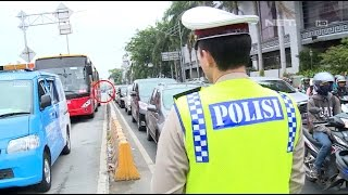 Kepergok Lewat Jalur Busway, Supir Bus Mengeluh Kena Macet - 86