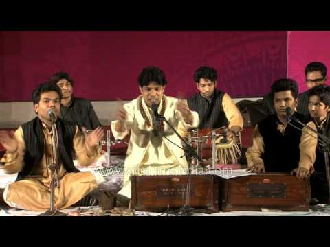 Yousuf Khan Nizami sings Husn Ko Jo Dekha Hai qawwali