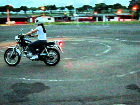 AUTOESCOLA UNIÃO DE OURINHOS Veronica Aula noturna de moto