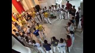 AXE IUNA video free capoeira classes in Brazil