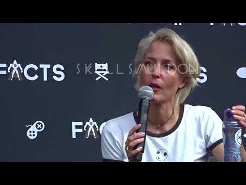 Facts Con - Gillian Anderson Panel Sunday