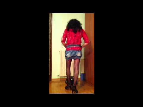 Italian crossdresser in mini skirt & sexy stocking