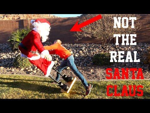 What's inside Santa Claus? 🎅🏻
