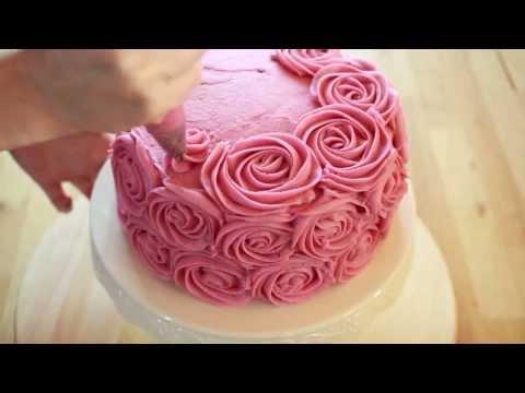 как самому сделать розочки для украшения торта пользуются совершенно разными