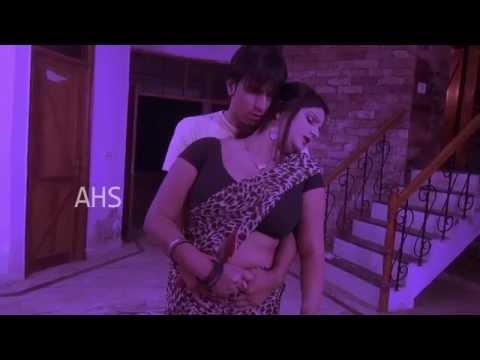 MALAYALAM MALLU AUNTY HOT ALONE IN HOME -  Hot Mallu Aunty Scenes 2014