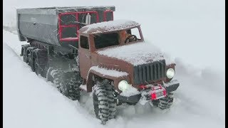 HEAVY RC SNOW ROAD! STRONG AND COOL RC MACHINES WORK IN THE SNOW! BUILD A RC ROAD AT THE SNOW!