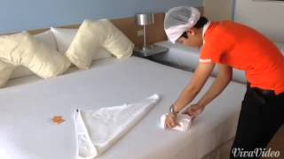 How to fold squid! Towel Art, Bed Decoration
