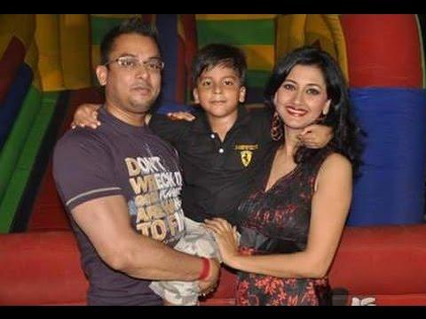 Rachana Banerjee Family Album | Actress Rachana Banerjee with her Family