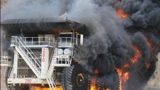 Heavy Equipment Accidents caught on tape . Trucks Disasters - Trucks fails , skills
