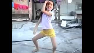 Vine: Quando eu vejo uma criança dançando funk