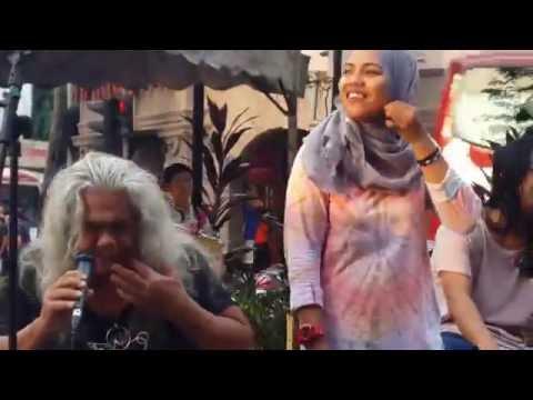 kamelia-otaii masih berbisa feat kodoxs busker cover sweet charity