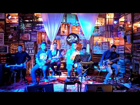 MELAMARMU - BADAI ROMANTIC PROJECT, cover By Rhecoustic at The Drinks By Kalila