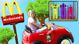 MCDONALDS Drive Thru Assistant Delivers Happy Meals Are Stolen By Gorillas