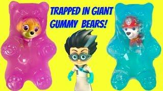 PJ Masks Romeo Traps Paw Patrol Marshall & Skye in GIANT GUMMY BEARS | Fizzy Toy Show