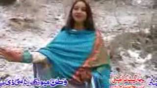 afshan zaibi hindko.chitta chitta chola.flv