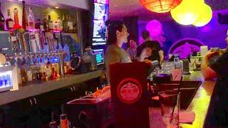 Day 798: Hawaiian Gay Bars & Karaoke