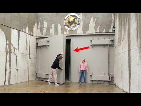What s inside a Luxury Doomsday Bunker