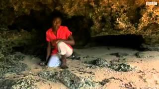 أطفال كينيون يمارسون الجنس مع السياح من أجل مبالغ مغرية