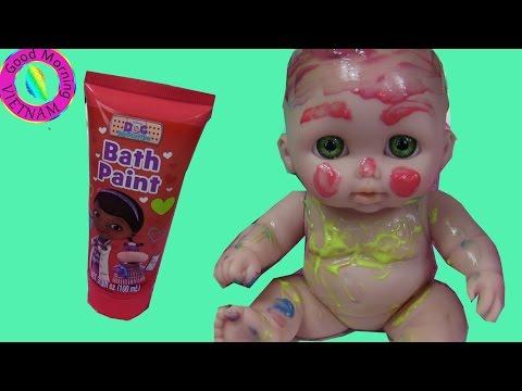 Xxx Mp4 Ba Chị Em Búp Bê Em Bé Chơi Tô Màu Nước Bath Paint Fun Time Three Baby Doll Super Cute 3gp Sex
