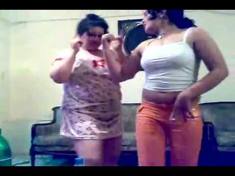 Fat aunty dancing at Arabi song