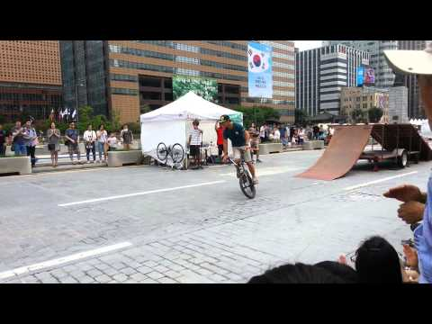 Xxx Mp4 A Street Performance Of Gwanghwamun Of Seoul Korea 3gp Sex