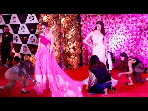 Xxx Mp4 Alia Bhatt Shows Unbelievable TANTRUMS In Front Of Kareena Kapoor 39 S Long Dress Lux Gold Awards 2019 3gp Sex