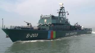 Dusmeni qorxuya salan Azerbaycan gemisi... Hedefı mehv edir