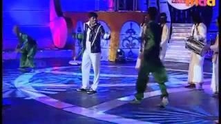 Why This Kolaveri Di Dance Performance by SANDY