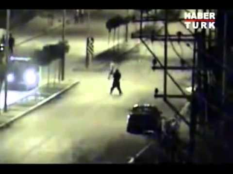 Hakkari'de yol kesen teröristlere operasyon