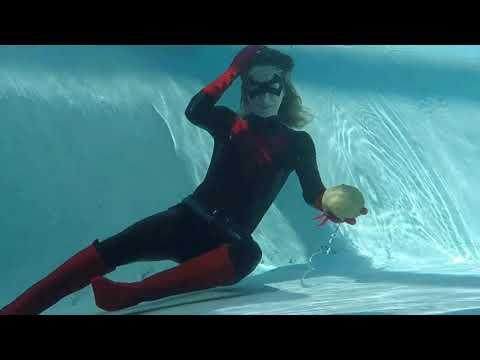 Xxx Mp4 Batwoman Drowning Joke Fan Film Teaser 2 3gp Sex
