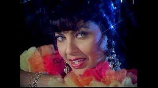 Ruby Attracts Apeman - Tarzan - Hemant Birje - Kimi Katkar - Best Kissing Scenes