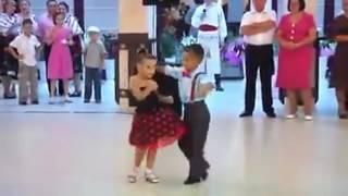Arabic song small children dancing awsome video