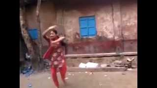 Bangladeshi girls is dancing very sexy style in her public place