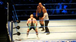 WWE Wrestling - Big Show vs Dave Finlay - Madrid 2009