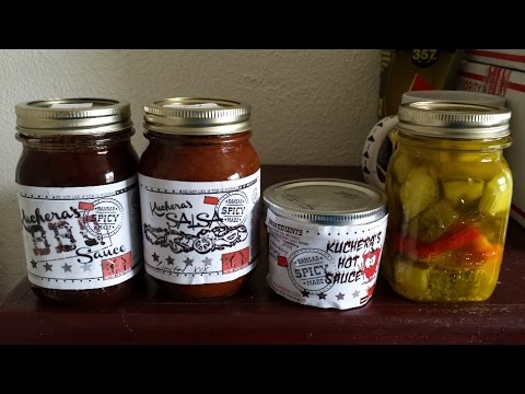 Unboxing: Kucheras XXX Hot Salsa, Superhot Peppers & Pickles | FreakEating