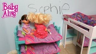 BABY ALIVE Real Surprises Doll Sophie writes her name on her wall! Poops Pee Doll+Twinkles N Tinkles