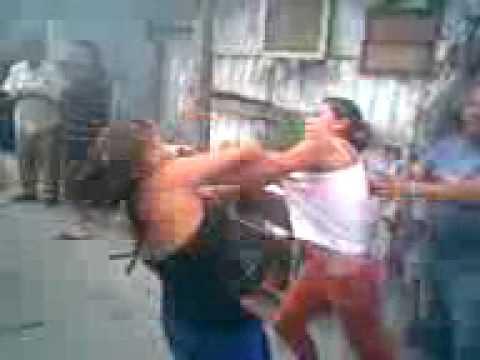 Pelea callejera entre mujeres en Cuautepec Madriza Areli VS La negra