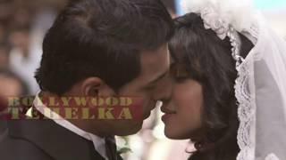 7 Khoon Maaf | Out Of Control | Irrfan Khan-Priyanka Chopra Hot Bed Scene Bollywood News