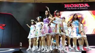 JKT48 - Part 1 @. Booth Honda GIIAS 19/08/17