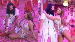Rakhi Sawant Romance With Baba Ram Rahim Video LEAKED