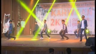 Hunter Boys! Funny Dance on Anil Kapoor & Govinda Songs !!